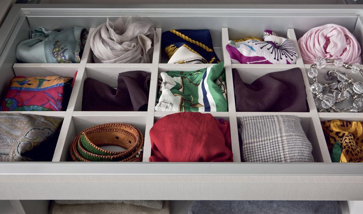 mehr platz im kleiderschrank so sorgen sie f r ordnung livarea m bel trendblog. Black Bedroom Furniture Sets. Home Design Ideas