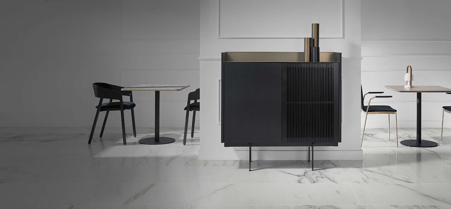 design highboards in hochglanz. Black Bedroom Furniture Sets. Home Design Ideas