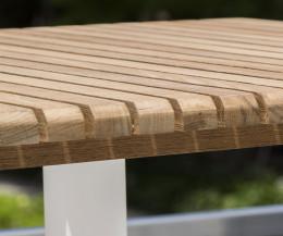Oasiq Ceru Aluminium Esstisch Detail Tischplatte Teak Massivholz