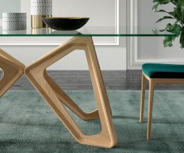Moderner Papillon Design Glastisch von Ozzio Detail Glasplatte Gestell Standfuß massiv
