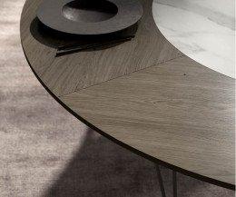 Exquisiter Design Esstisch Detail äußere Tischplatte aus Eiche Dunkel Furnier