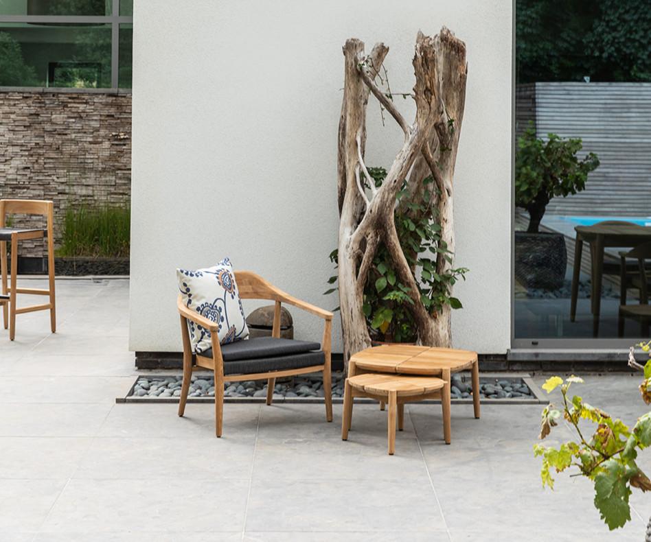 Wetterfester Oasiq Copenhagen Design Loungesessel mit Beistelltisch