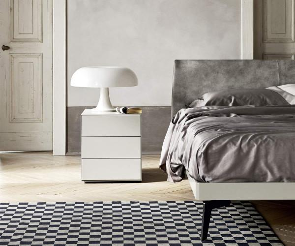 designer nachttische mit schubladen. Black Bedroom Furniture Sets. Home Design Ideas