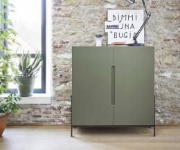 Design Highboard Float von Novamobili in Grün Matt lackiert im Wohnzimmer