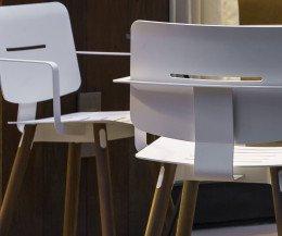 Hochwertiger Oasiq Coco Design Stahl Stuhl mit Armlehnen Teak Beine