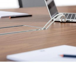 ICF Unitable Manager Buerotisch Kabelkanal Steckdose unter dem Tisch