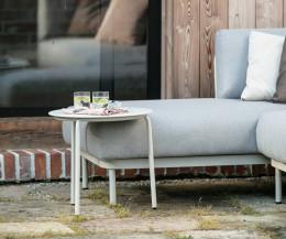 Moderner Todus Starling Designer Beistelltisch mit weißer HPL-Tischplatte und weißem Gestell