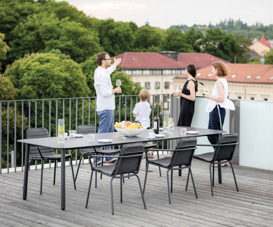 Moderner Todus Starling Design Armlehnenstuhl aus pulverbeschichtetem Edelstahl