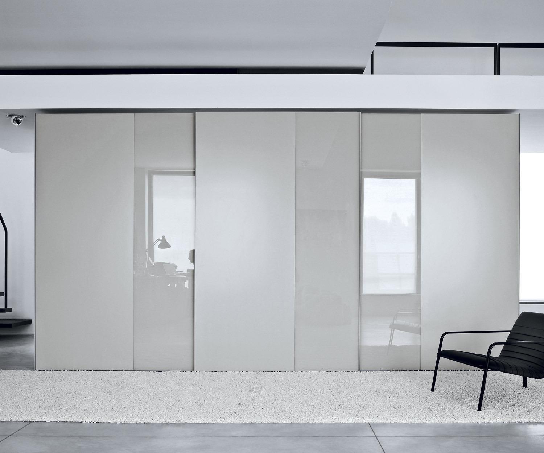 novamobili designkleiderschrank offset schiebet ren. Black Bedroom Furniture Sets. Home Design Ideas