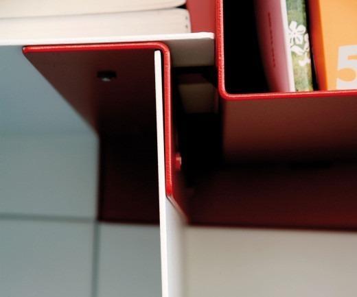 RS Barcelona By YourShelf Bücherregal detail weiß rot