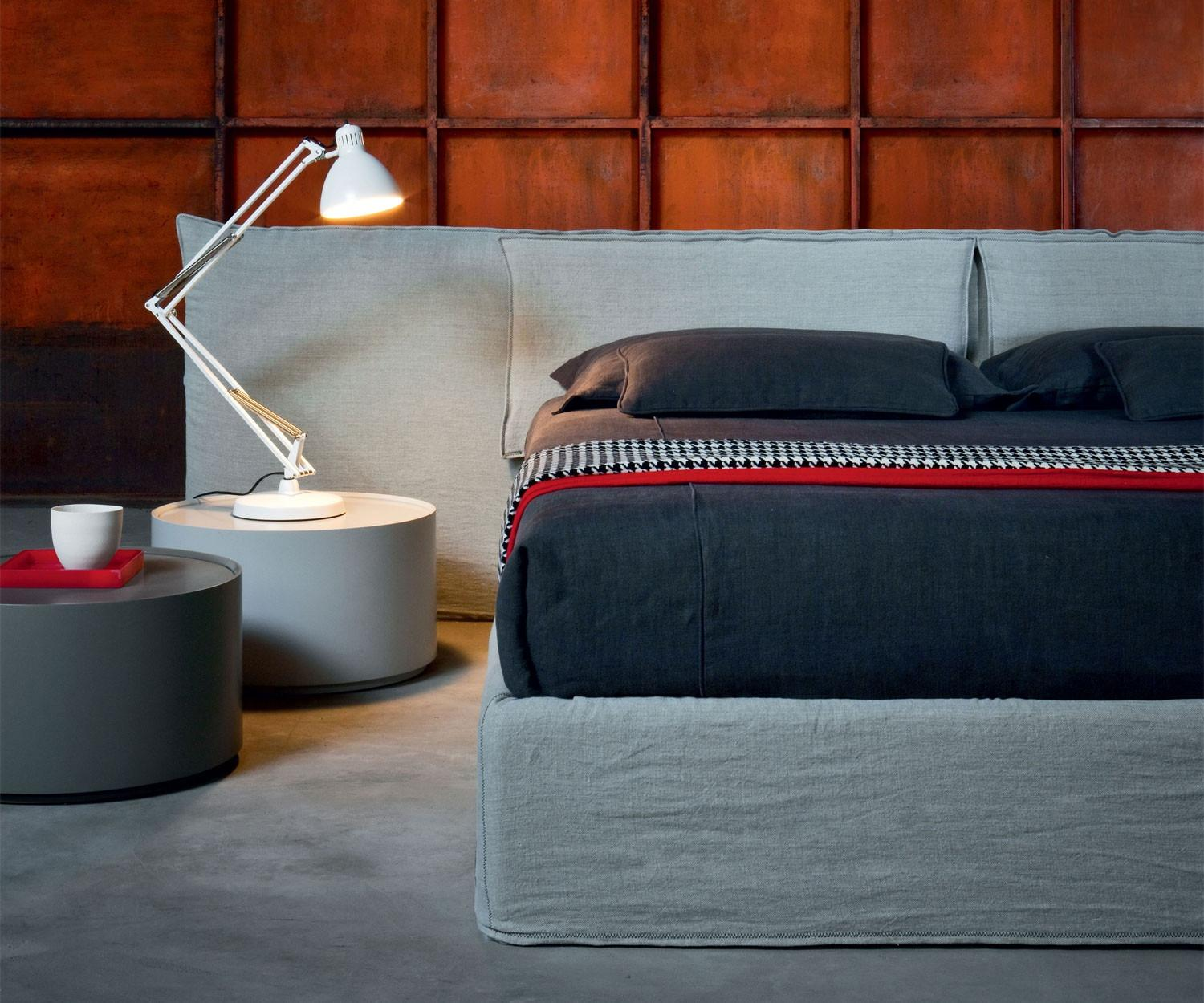novamobili polsterbett suite mit bettkasten. Black Bedroom Furniture Sets. Home Design Ideas