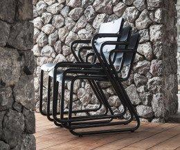 Hochwertiger Oasiq Corail Aluminium Stuhl mit Armlehnen stappelbar