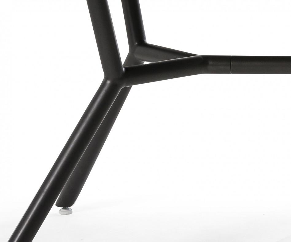 Exklusiver Oasiq Reef Design Gartentisch mit Stühlen