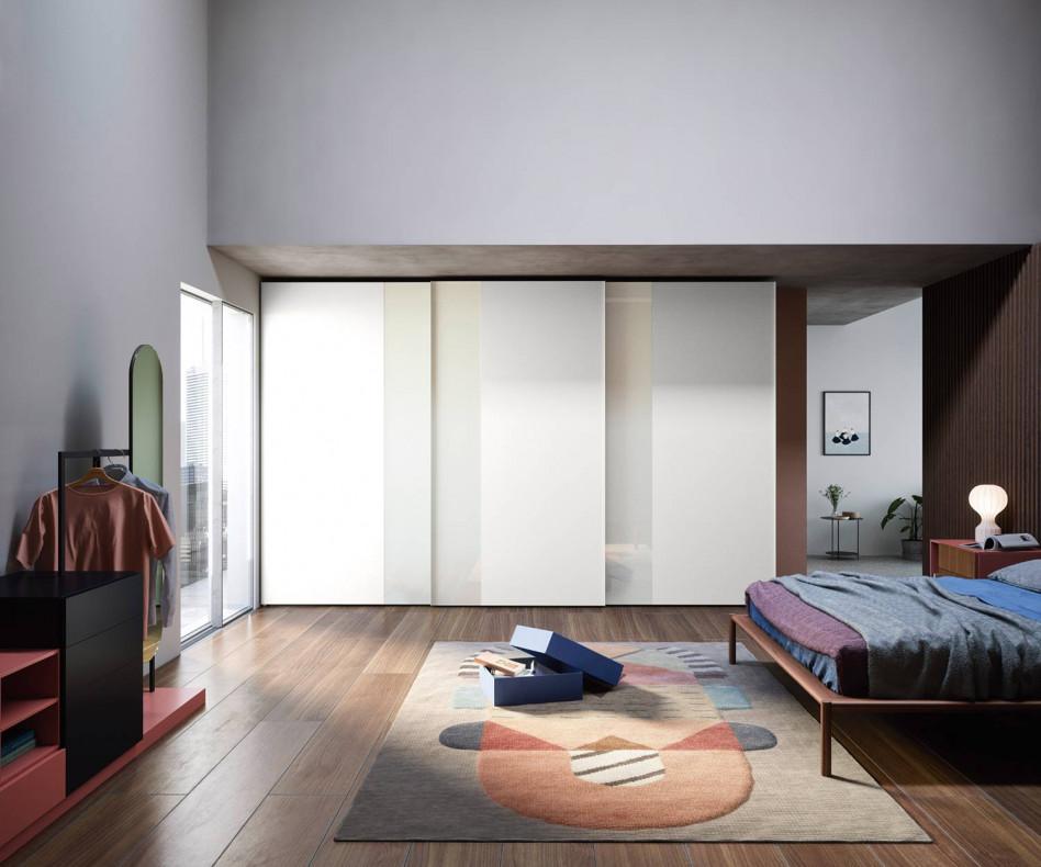Exklusiver Novamobili Design Kleiderschrank Offset mit Schiebetüren