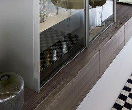 Hochwertige Livitalia Design Wohnwand C35 im Detail die Glasvitrine