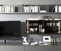 Moderne Livitalia Design Wohnwand C60 mit geöffnetem Hängeschrank in Eiche furniert