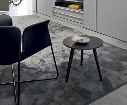 Novamobili Design Beistelltisch Trio mit schwarzer Tischplatte und drei Beinen