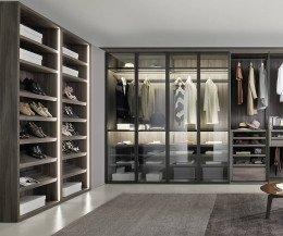 Modernes Livitalia Bellavista Design Ankleidezimmer mit Schuhschrank