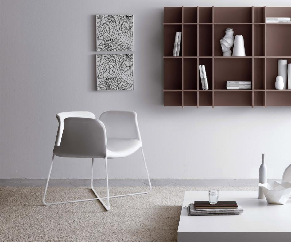 Design stuhl weiss fabulous stuhl weiss eiche form design for Design stuhl nachbau