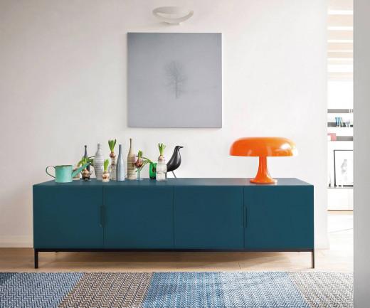 Hochwertiges Novamobili Design Sideboard in Blau mit Füßen