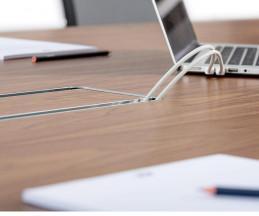 ICF Unitable Manager Buerotisch Kabelkanal Steckdoese unter dem Tisch