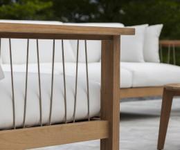 Oasiq Maro Teak 3er Sofa mit Armlehnen Detail