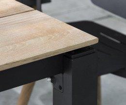 Moderner Oasiq Machar Design Gartentisch Teak im Detail Tischplatte und Beine