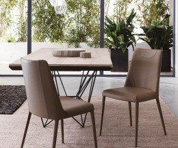 Moderner Design Esstisch mit Ansicht Tischuntergestell in Schwarz glänzend