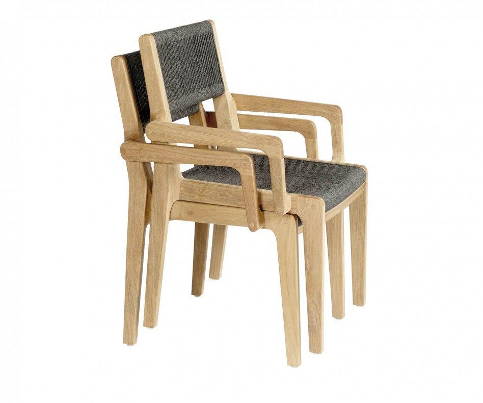 Oasiq Skagen Stuhl aus Teakholz mit Polsterung aus handgewobenen Seilen