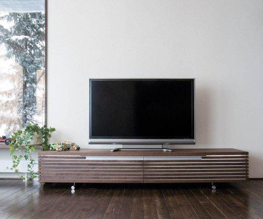 Modernes Conde House Tosai Design Lowboard Massivholzprofile