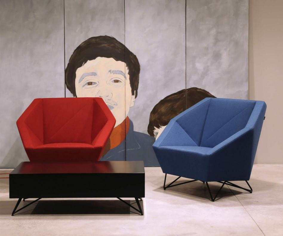 Hochwertiger Prostoria Designer Sessel 3angle in Grau mit Hocker Pouf