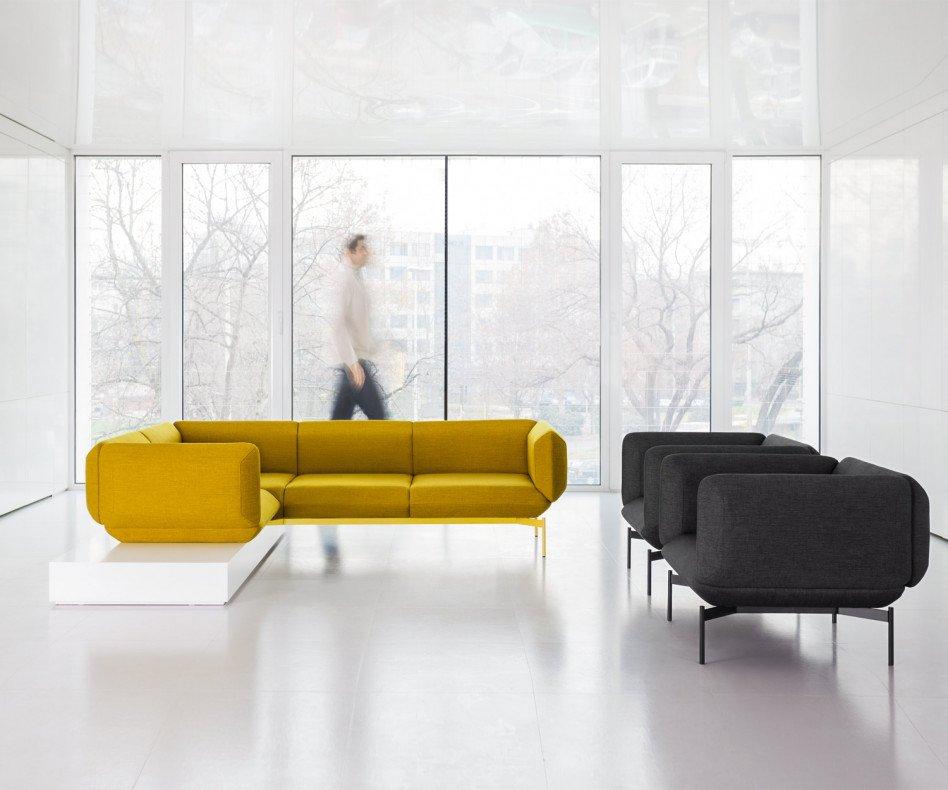 Moderner Prostoria Design Sessel Segment in Gelb und einmal in Schwarz