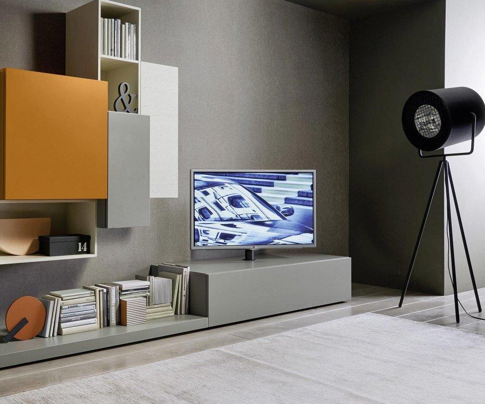 Hängendes Lowboard mit TV Säulen Halterung
