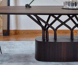 Hochwertiger Design Esstisch Detail Standuß Streben ovale Tischplatte