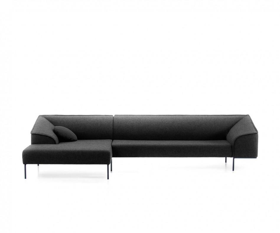 Modernes Prostoria Designer Sofa Seam in Dunkelgrau im Warteraum