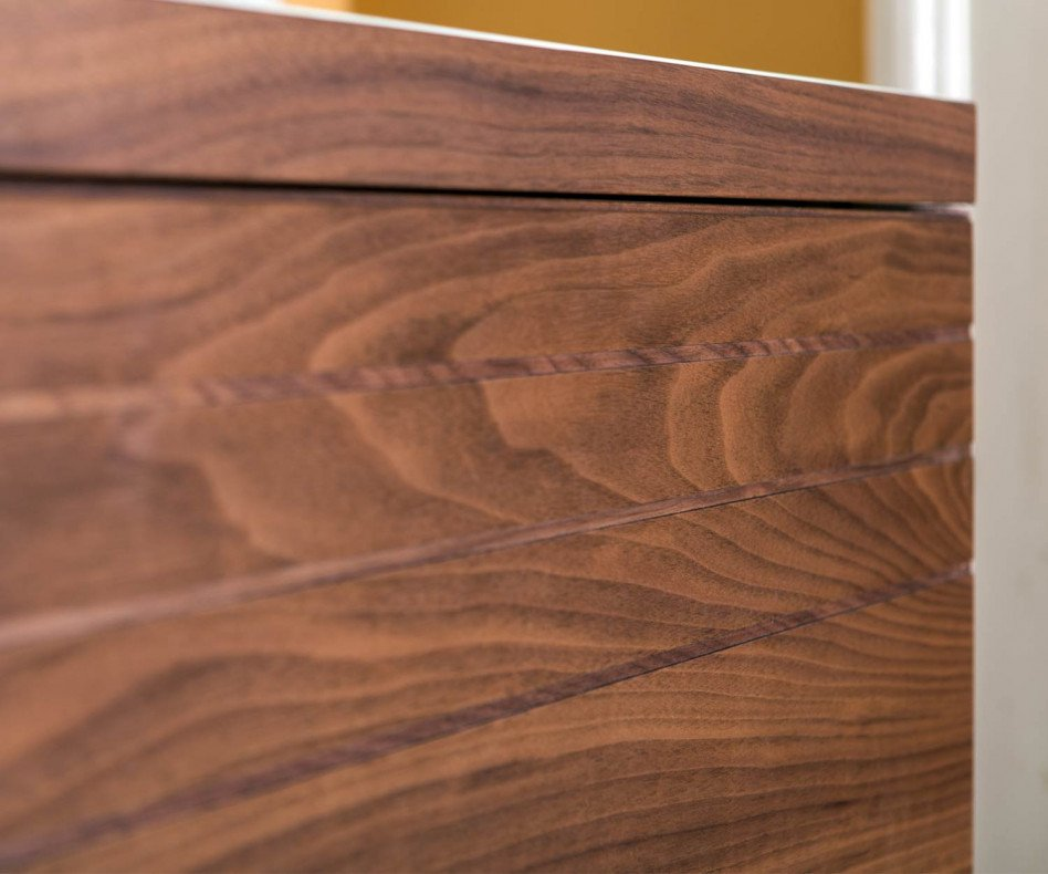 Design Esszimmer Sideboard auf Füßen in Walnuss Furnier mit Carrara Marmor on top