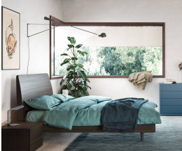 Novamobili Design Bett Dedalo im Schlafzimmer mit Kommode