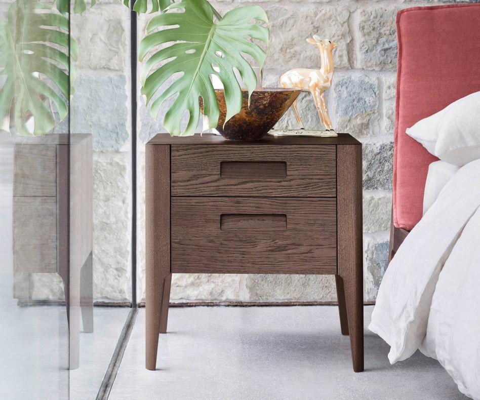 Hochwertiger Design Nachttisch Giotto von Novamobili mit 2 Schubladen in Eiche Miele