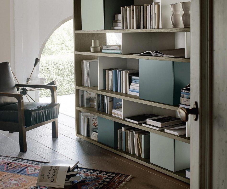 Exklusives Livitalia Design Bücherregal C83 in gebeizter Eiche furniert
