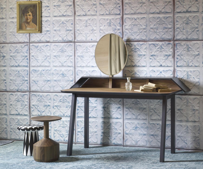 miniforms designer schminktisch tolda. Black Bedroom Furniture Sets. Home Design Ideas