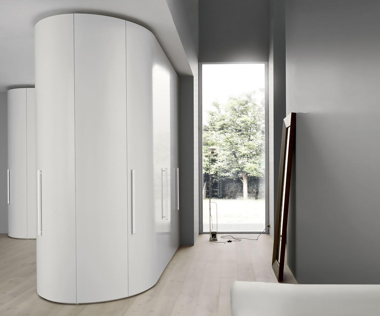 novamobili runder eckschrank wei alfa curvo. Black Bedroom Furniture Sets. Home Design Ideas
