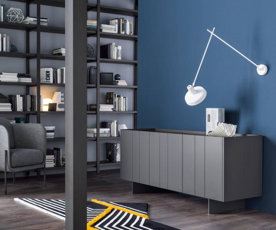Exklusives Novamobili Design Sideboard Stripe 3 Weiß mit senkrechten Metallstreifen