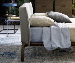 Modernes Novamobili Design Bett Park mit gepolstertem Kopfteil
