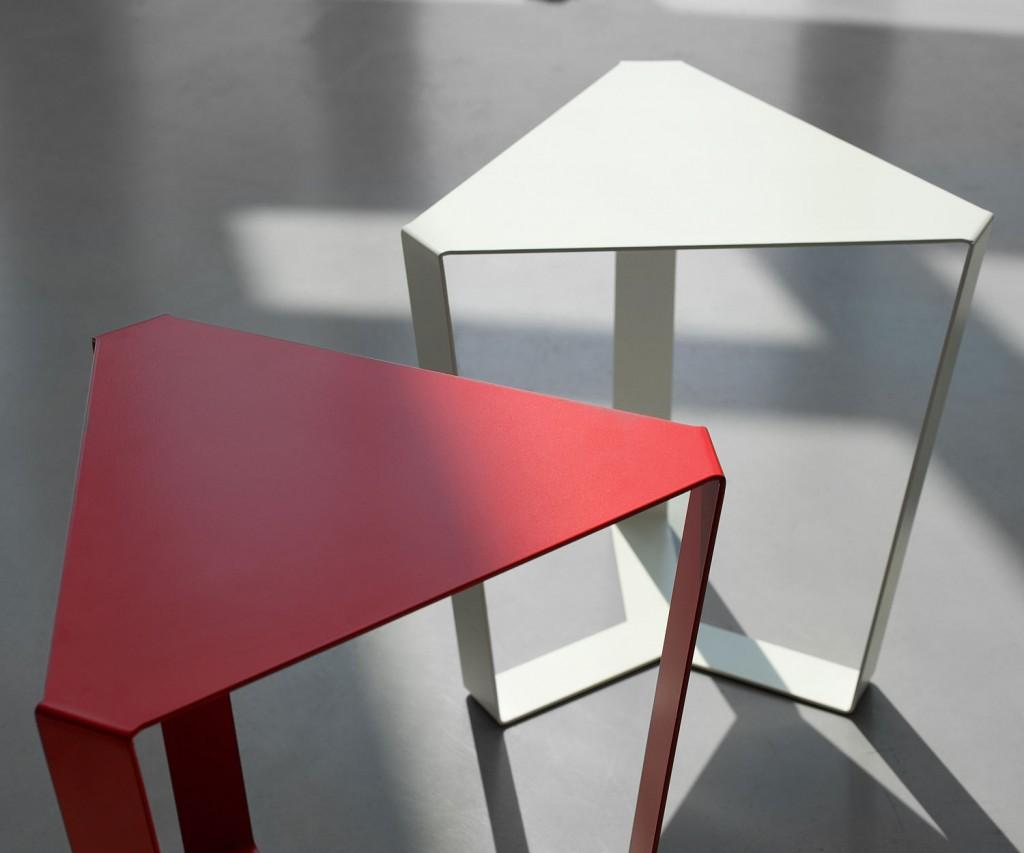 MEME DESIGN Finity Beistelltisch Dreieckig
