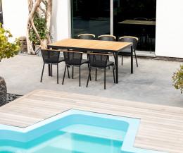 Hochwertiger Riad Terrassen Stuhl von Oasiq am Pool mit Gestell in Anthrazit