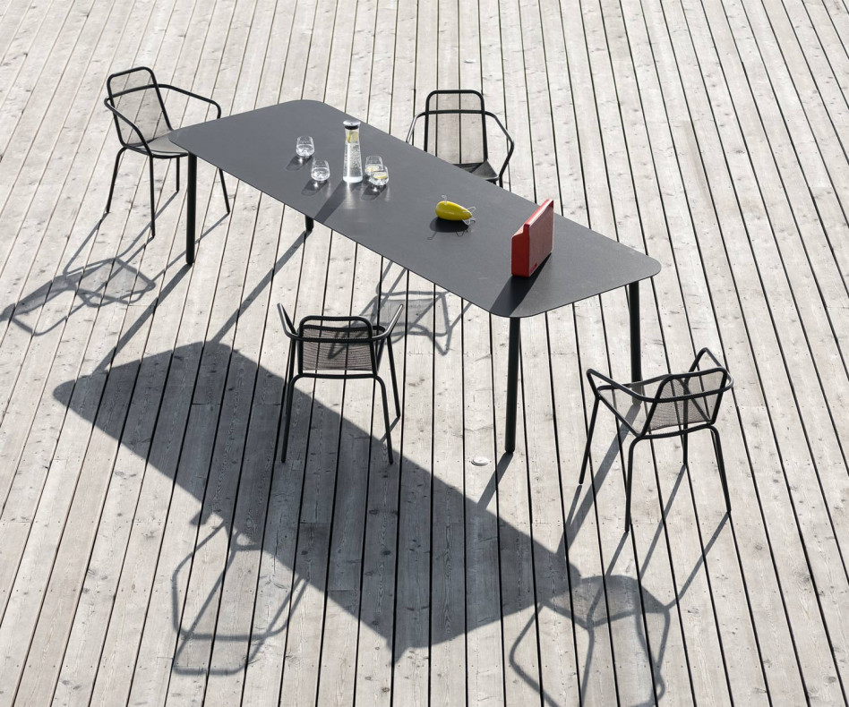 Hochwertiger rechteckiger Todus Starling Design Gartentisch mit abgerundeten Ecken