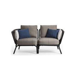 Oasiq Yland Eckbank Design Sofa mit dunkelgrauem Alugestell und grauer Polsterauflage
