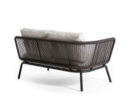 Hochwertiges Oasiq Yland 2er Sofa mit Aluminiumrahmen in Dunkelgrau