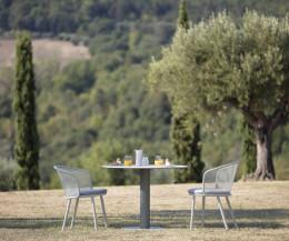 Exklusiver Todus Baza Design Gartenstuhl mit weißem Gestell und grauem Sitzpolster