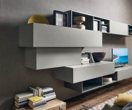 Design Wohnwand mit Hängeschränke unterschiedlicher Tiefe